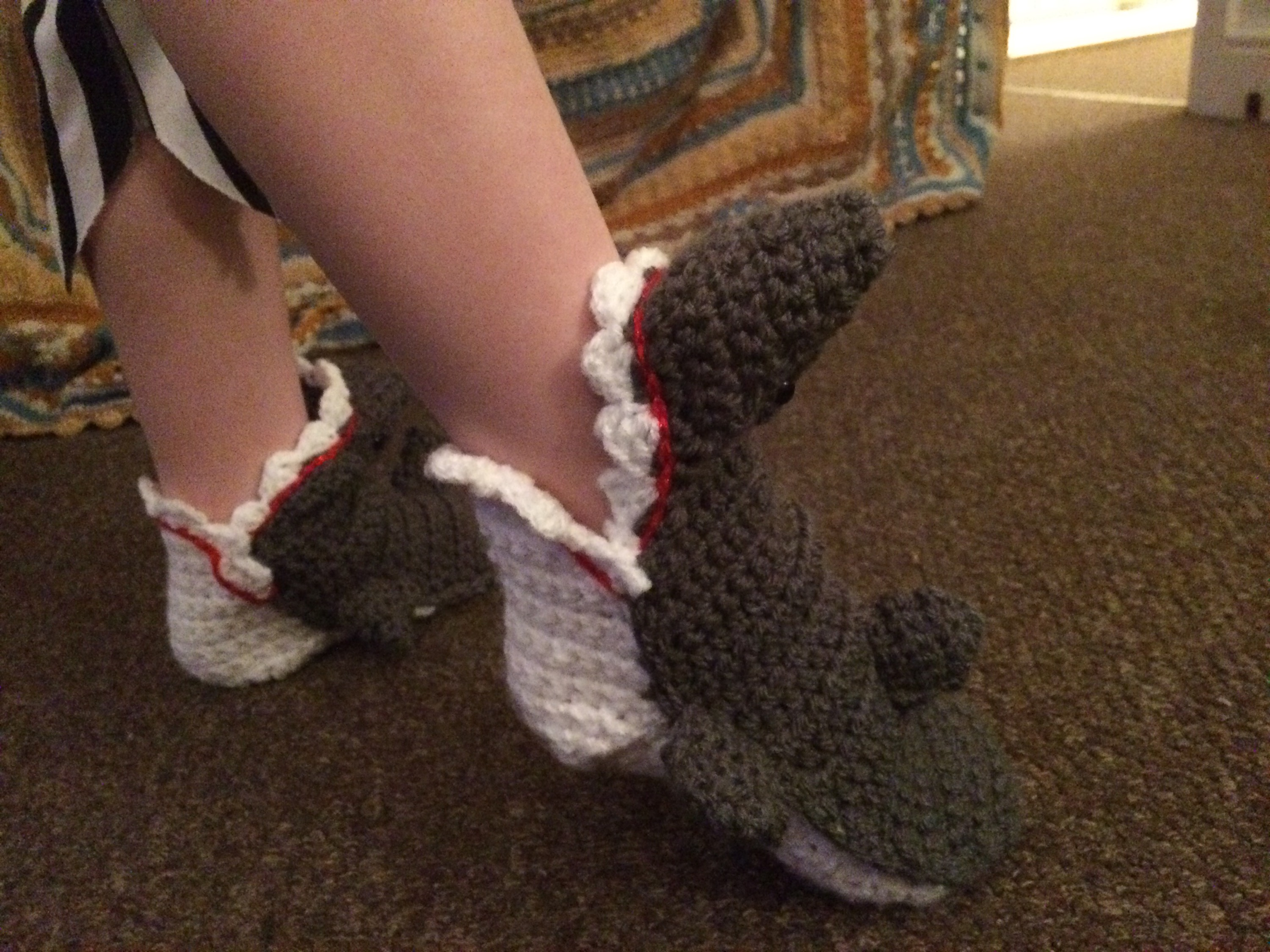 Shark slippers that darn crochet i dont want to link to the pattern this time as it was rubbishtheres loads of them online if you have a look go for a free bankloansurffo Gallery